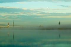 Niebla en el lago Foto de archivo libre de regalías