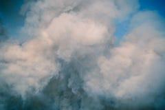 Niebla en fondo negro Imagen de archivo