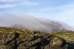 Niebla en la cabeza del azufre, isla de Fogo Fotos de archivo