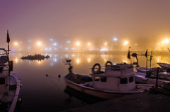 Niebla en la ciudad de la playa Imagenes de archivo