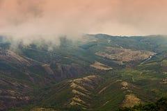 Niebla en la montaña Foto de archivo