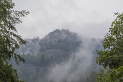 Niebla en la montaña 2 Foto de archivo libre de regalías