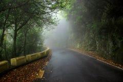 Niebla en las montañas de Anaga en las islas Canarias de Tenerife, España, Europa Fotografía de archivo libre de regalías