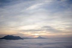 Niebla Phu Tok en Chiang Khan Foto de archivo libre de regalías