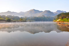 niebla por la mañana Imagen de archivo