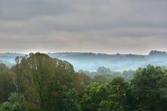 Niebla sobre el valle Imágenes de archivo libres de regalías