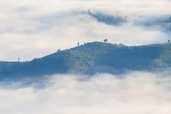 Niebla y montaña Fotografía de archivo