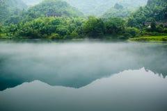Niebla y río Imagen de archivo libre de regalías
