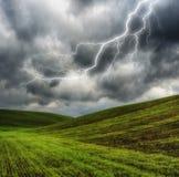 niebo Błyskawica w niebie ciemne chmury Zdjęcie Stock