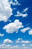 niebo białe chmury obraz stock