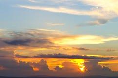 Niebo, chmura i słońce Zdjęcie Royalty Free
