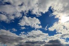 Niebo chmurnieje lot Obrazy Royalty Free
