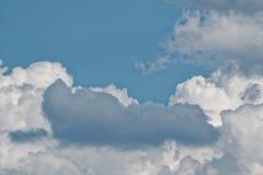 Niebo chmurnieje, piękny chmura ruch na niebie obraz royalty free