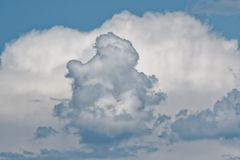Niebo chmurnieje, piękny chmura ruch na niebie zdjęcia stock