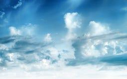 Niebo chmurnieje sztuka wschodu s?o?ca t?o zdjęcie stock