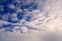 niebo, chmury niebieski tinted Zdjęcia Stock