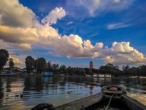 Niebo i chmura przy Kemaro wyspą P zdjęcie royalty free
