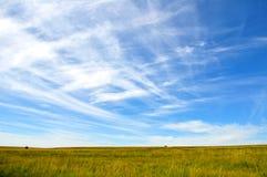 Niebo i obszar trawiasty Fotografia Royalty Free