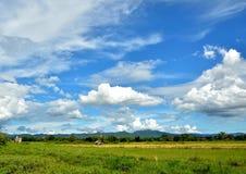 Niebo i tajlandzki kraj zdjęcia stock