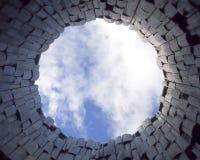 Niebo from inside drewniany wierza Fotografia Royalty Free