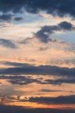 Niebo kolorów żywy krajobraz z chmurami Obraz Royalty Free