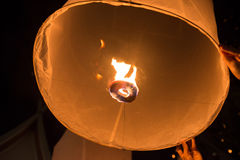 Niebo lampionów fajerwerku festiwal, Loy Krathong i Yi Peng Festiva, Zdjęcia Royalty Free