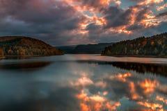 Niebo na ogieniu - Trinkwasser Talsperre Zdjęcie Stock