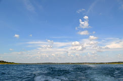 Niebo nad jeziorem Obrazy Stock