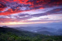 niebo płonący wschód słońca Obrazy Royalty Free