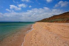 Niebo, plaża i morze. Zdjęcie Stock