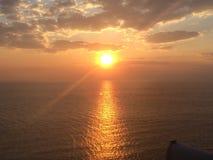 Niebo podczas słońce wzrosta czasu w morzu śródziemnomorskim zdjęcie stock