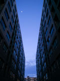Niebo przez budynków Obrazy Royalty Free