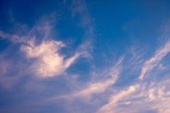 Niebo z chmurą na wieczór dniu fotografia stock