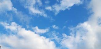 Niebo z chmurami zdjęcia stock
