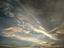 Niebo z chmurami w pastelowych kolorach Zdjęcia Stock