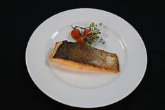 Niecka smażący polędwicowy łosoś ryba zdjęcia royalty free