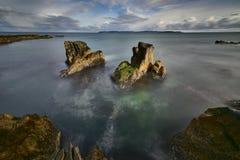 Niecki skała, Ballycastle, Antrim wybrzeża krajobraz Zdjęcia Royalty Free