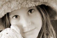niedźwiadkowi dziewczyny mienia potomstwa zdjęcie stock