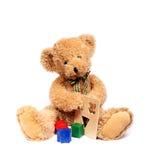 niedźwiadkowy miś pluszowy bawi się drewnianego Obrazy Stock