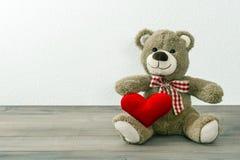 niedźwiedź teddy czerwone serce czerwona róża Obraz Stock