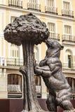 Niedźwiadkowego i Morwowego drzewa statuy symbol Madryt Hiszpania Zdjęcia Royalty Free