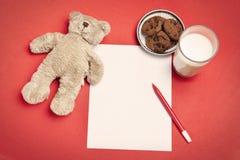 niedźwiadkowy pusty ciastek listu mleko Fotografia Stock