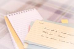 Niederländisch; Lernen von neuen Sprachschreibens-Grüßen auf dem Notizbuch Stockbild