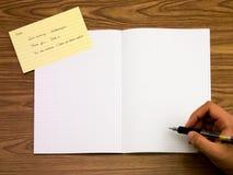 Niederländisch; Lernen von neuen Sprachschreibens-Wörtern auf dem Notizbuch Stockfotos