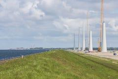 Niederländische Baustelle-Gebäudewindkraftanlagen nahe Urk Stockfotografie