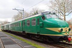 Niederländischer elektrischer Zug Materieel '54 (Matte '54) - Hondekop der Weinlese Lizenzfreie Stockfotografie