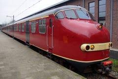 Niederländischer elektrischer Zug Materieel '54 (Matte '54) - Hondekop der Weinlese Stockbild
