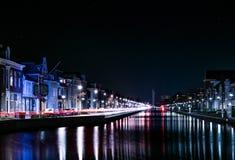 Niederländischer Kanal bis zum Nacht Stockbilder