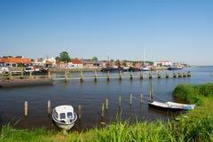 Niederländischer kleiner Hafenplatz lizenzfreie stockbilder