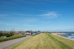 Niederländisches Dorf Oudeschild auf Insel Texel stockbild